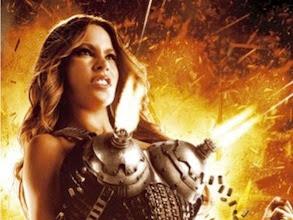 Sofía Vergara muestra el poder de sus pechos en un nuevo póster de Machete Kills