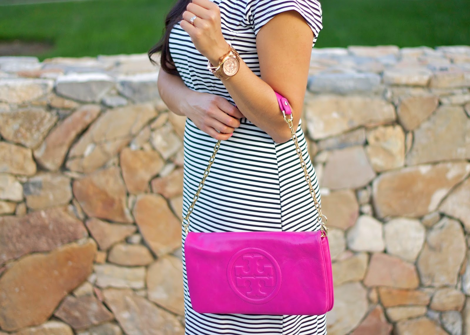 Tory Burch pink clutch, latina blogger, brunette blogger, best latina bloggers, latina style blogger, socal blogger, california style blogger, west coast style blogger