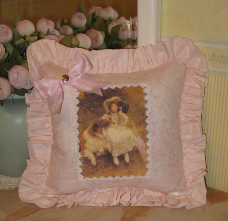 Romantico cuscino vittoriano