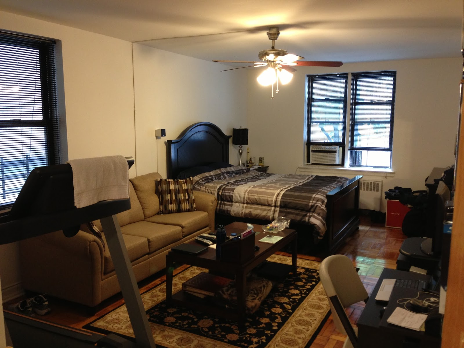 The bimillennial man tiny apartment is tiny for How to decorate a studio apartment