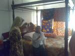 Saya dan Kak Rudiah di kamar tempat Arwah Abg Sudir menghembus   kan nafas terakhir...