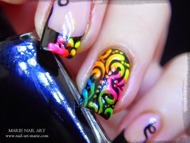 Nail Art Frenh et Arabesques Fluo3
