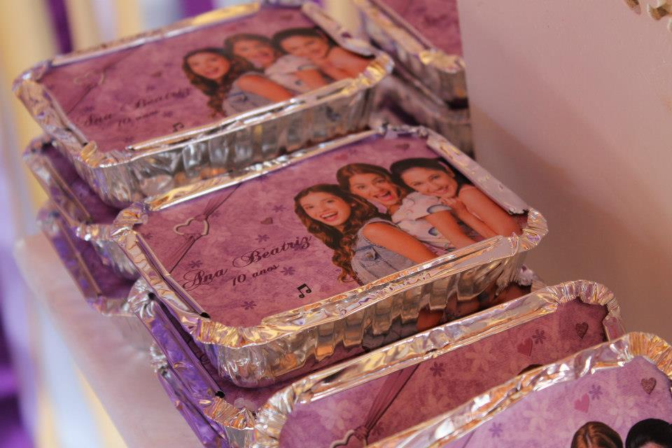 decoracao festa violeta:Alecrim Ateliê de Festas: Violetta para os 10 aninhos da Bia