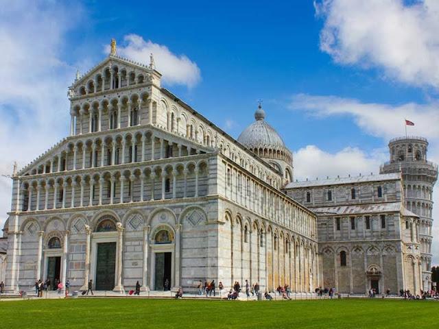 El Duomo, la catedral de Pisa en Italia