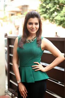 Samantha-Latest-Stills-at-Attarintiki-Daredi-Movie-Interview