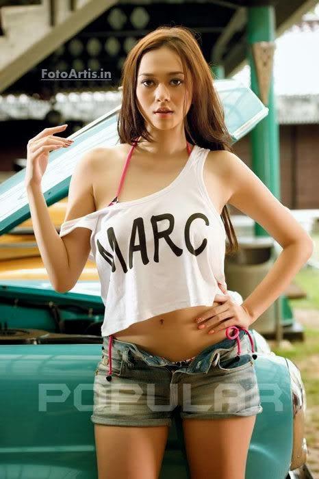Wouw... Inilah Foto-foto Hot Aura Kasih