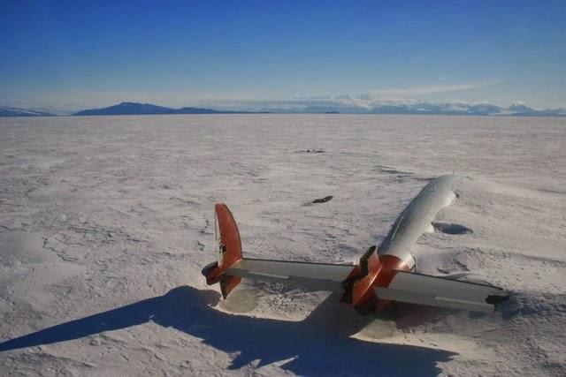 Avión accidentado en la Antártida