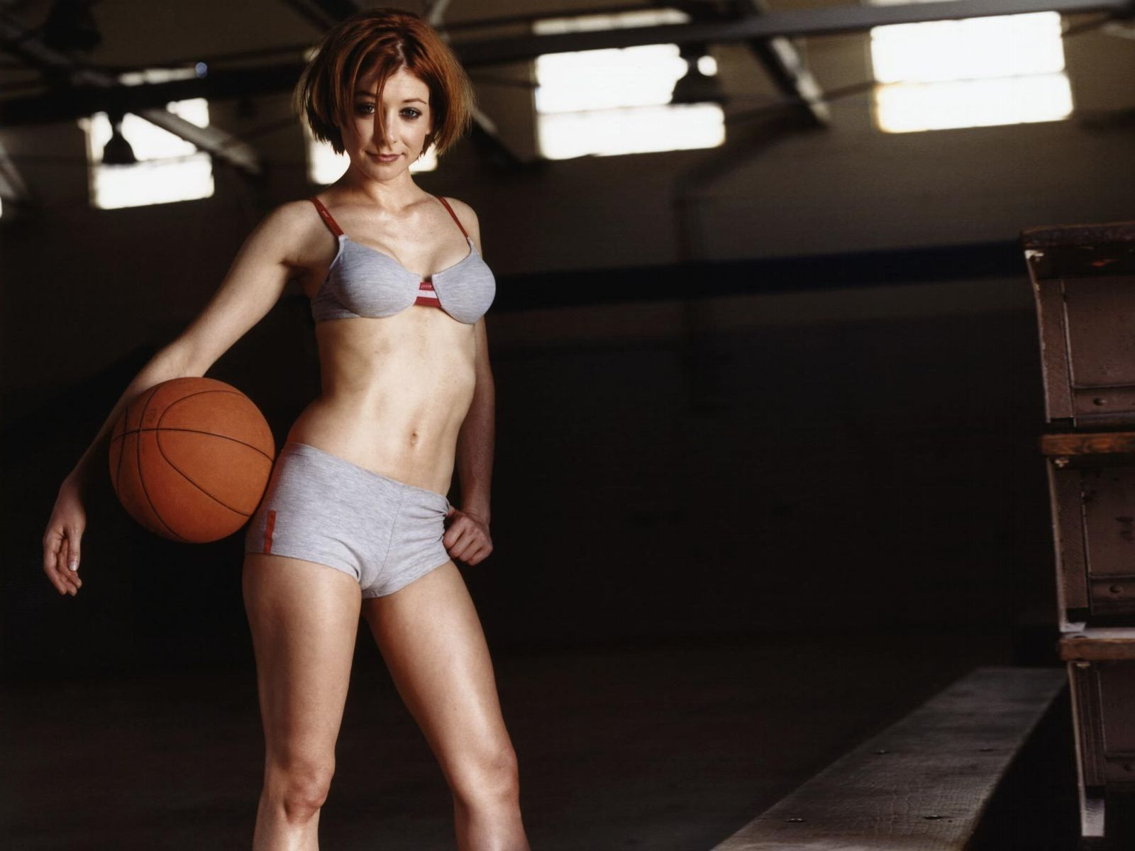 Alyson hannigan hot pictures photo gallery amp wallpapers