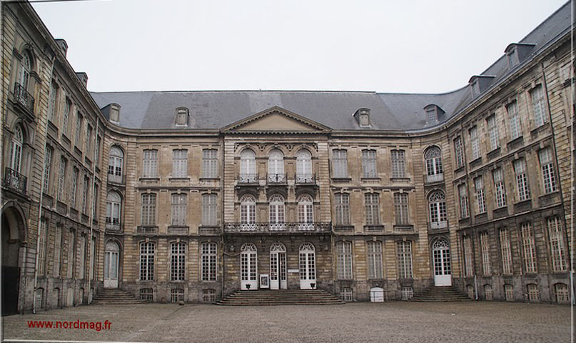 Main Square Festival d Arras: Muse est sur scne, mais nous les