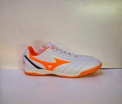 sepatu futsal mizuno putih orange,sepatu futsal murah,