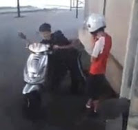 el tonto de la moto