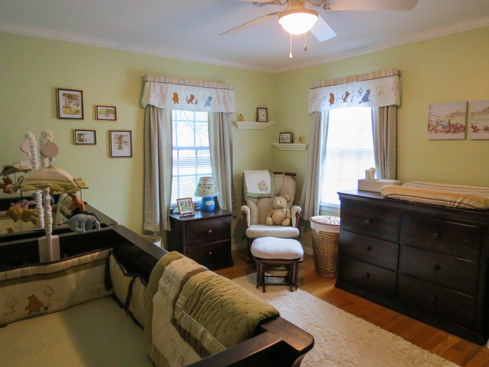 share the wonder twin boy nursery in classic winnie the pooh. Black Bedroom Furniture Sets. Home Design Ideas