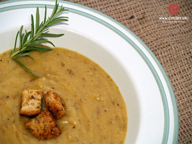 Zupa krem z pieczonych ziemniaków