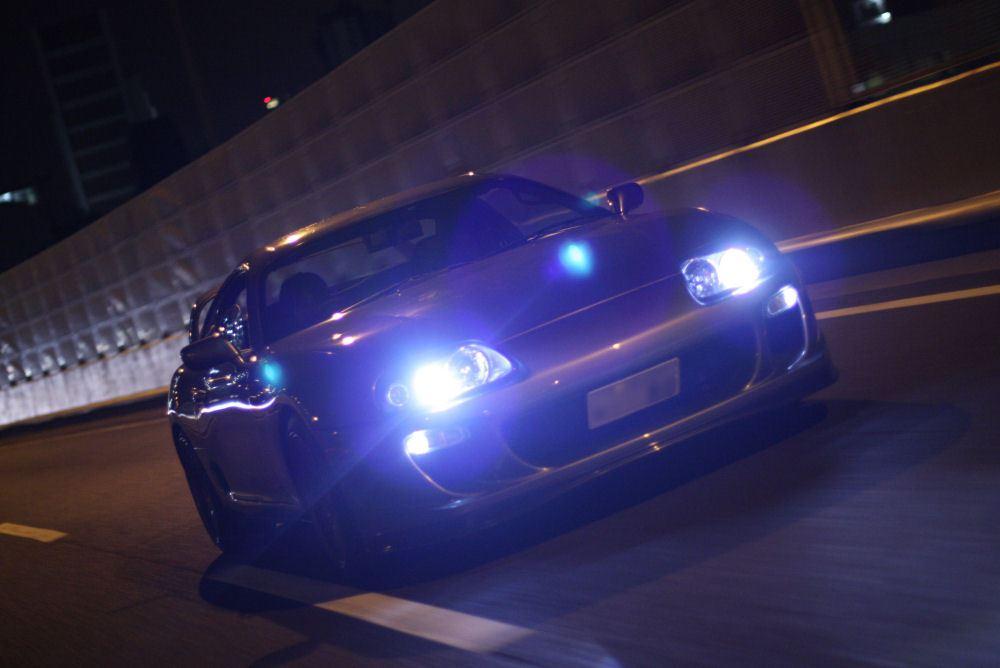 Toyota Supra MK4 A80, japoński sportowy samochód, motoryzacja, jdm, zdjęcia, fotki, photos, tuning, nocna fotografia, samochody nocą, po zmroku, auto, kultowy, legenda, 2JZ-GTE, twin turbo, RWD