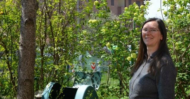 Risultati immagini per caterina in giardino a spilamberto