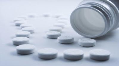 """دراسة: """"باراسيتامول"""" يتسبب في تعطيل نمو خلايا المخ , دواء حبات حبوب ادوية الدواء"""