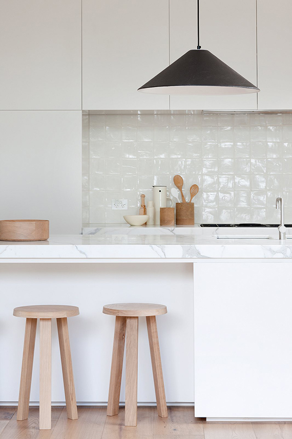 DESIGN TREND: Handle free kitchen cabinets | Up Interiors