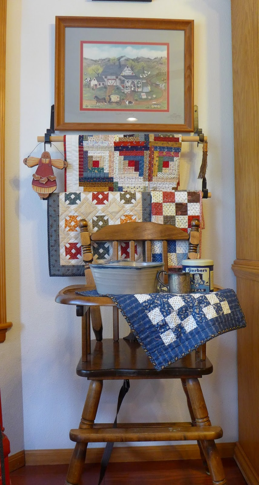 Humble Quilts: Laura s Decor and More!