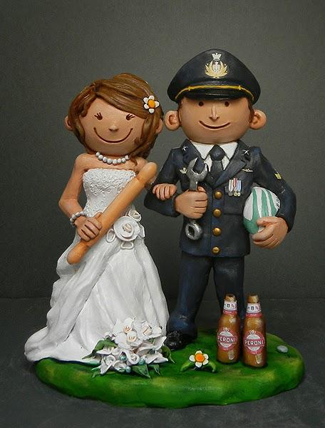 sposini torte matrimonio top cake originali sposi passioni sposo militare orme magiche