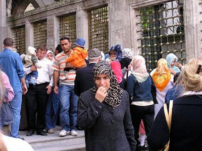 Muslim women,show women