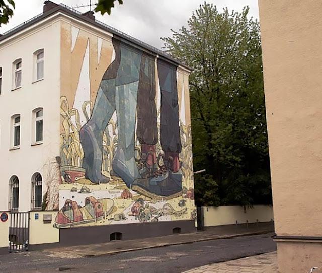 Street Art By Spanish Artist Aryz For Positive Propaganda In Munich, Germany. 1