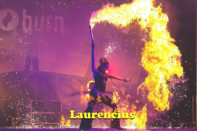 Foto-Manusia-Api-di-Festival-Internasional-2012-Ukraina_1