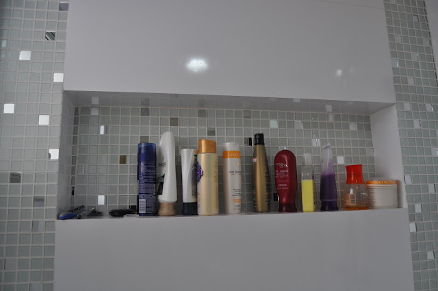 Donna da Casa Nichos no Banheiro -> Nicho Para Banheiro Altura