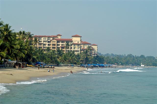 Objek Wisata Pantai Anyer, Banten 4