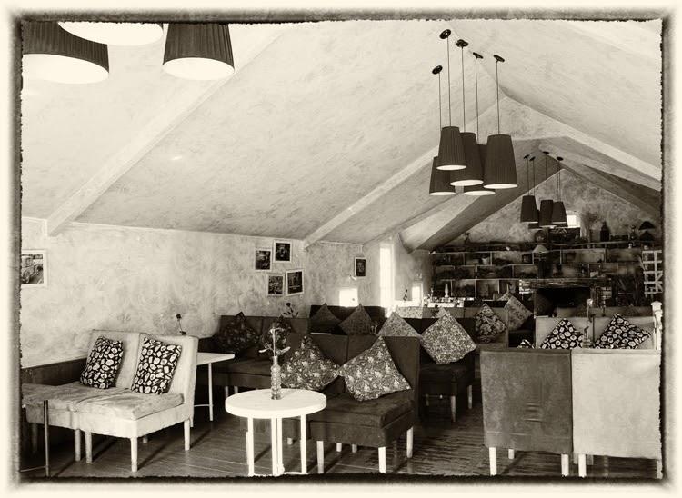 Cafe Country House mang nét cổ điển