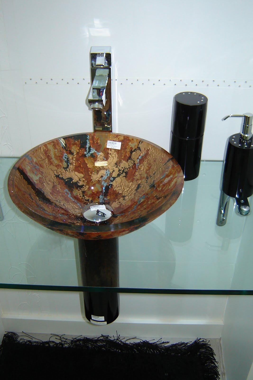 Cuba de vidro givrê relevo em tons bronze ouro medieval marrom e  #69422C 1067x1600 Acessorios Banheiro Vermelho