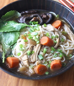 Chinese  Chicken Noodle Soup recipe by seasonwithspice.com