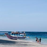Sonnenschein am Sandstrad von Bali