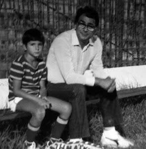 Ο φωτογράφος με τον γιο του Πάτροκλο