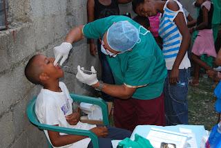 Sector Salud PRD desarrolla operativo médica en Cancino Adentro