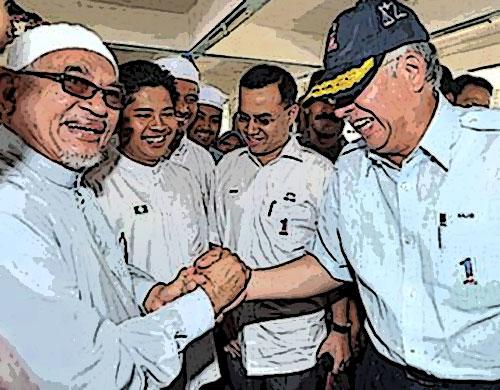 Pelik...! Kenapa orang Pas marah Hadi peluk Najib