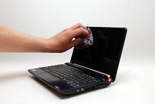 Tips Membersihkan Layar Laptop Dengan Benar