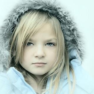 Anak Perempuan Lucu