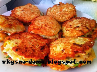 Кабачковые оладьи с сырной начинкой