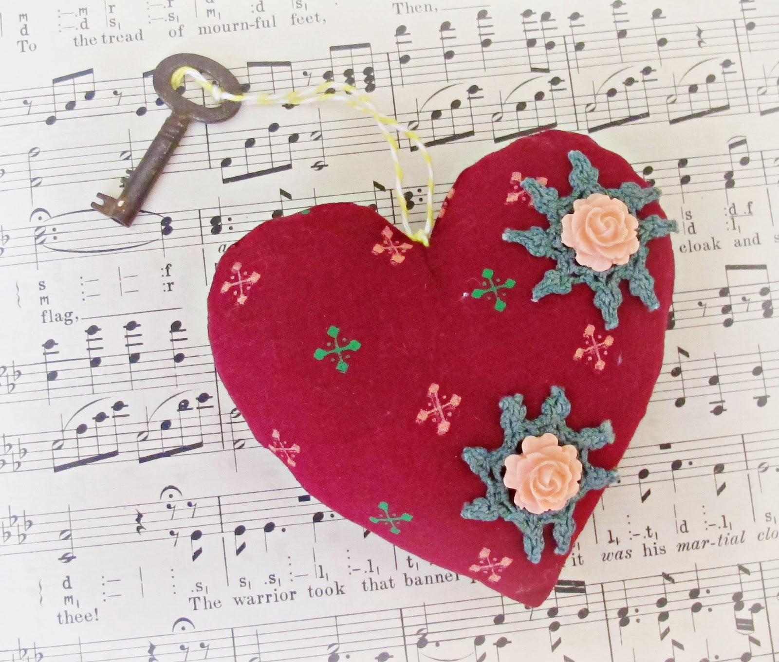 image key to my heart patchwork vintage maroon green peach doilies flower cabochons apricot skeleton key domum vindemia ornament pin cushion