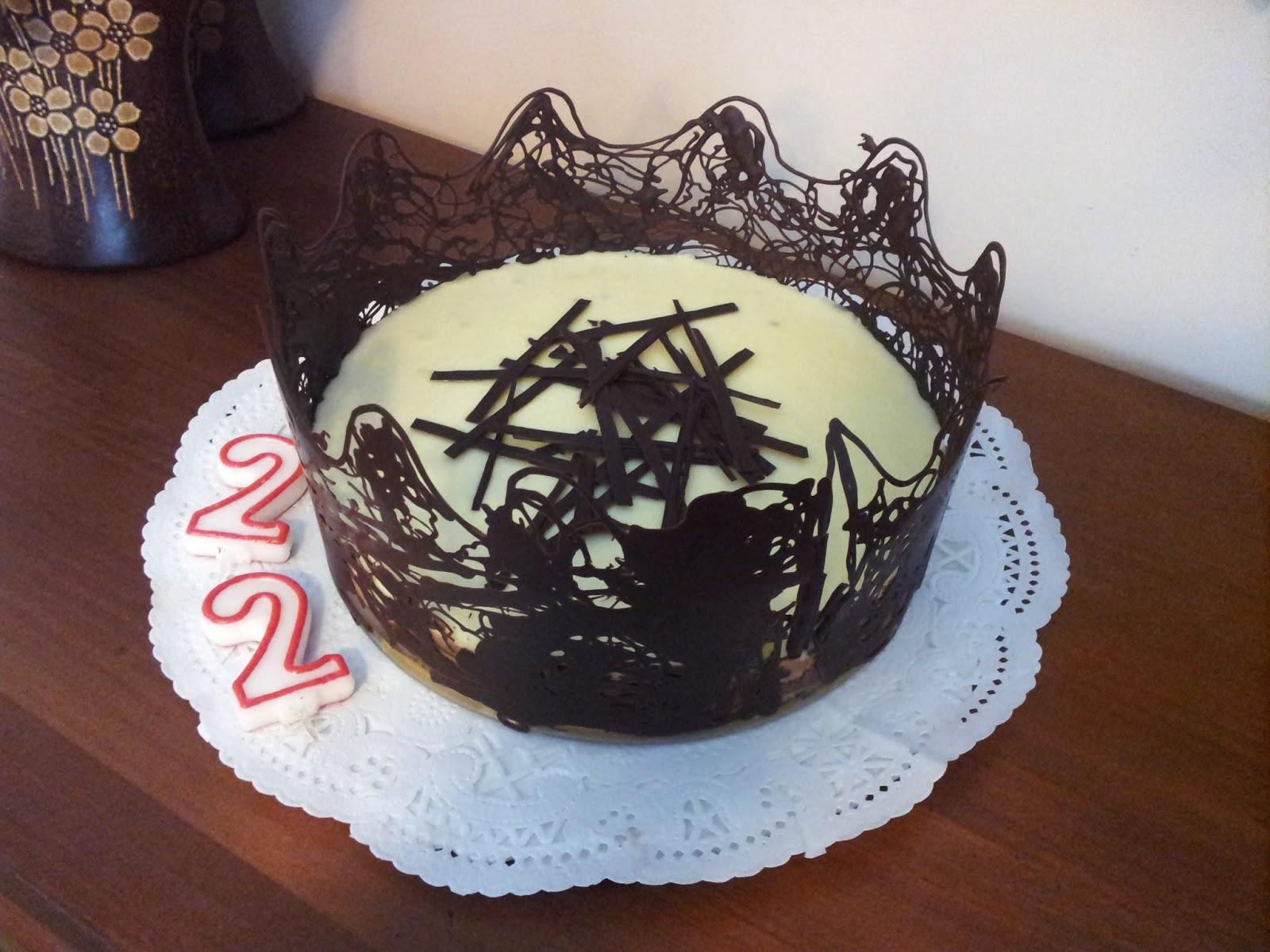 Las cookitas tarta de tres chocolates con decoraci n de chocolate - Decoracion con chocolate ...
