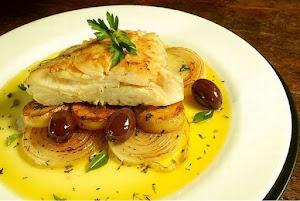 Pratos com o delicioso (Bacalhau)