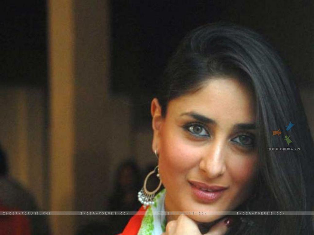 http://2.bp.blogspot.com/-4HcNBaY6yOk/TuQ6vkUbnTI/AAAAAAAAD48/0r6PBTYuITM/s1600/Kareena+Kapoor+In+Bodyguard+6.jpg