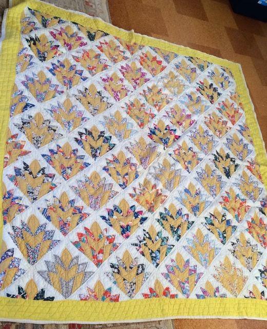 Ann Quilts: Art Deco Flowers ... or Fans : art deco quilt - Adamdwight.com