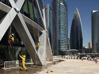 Emisi karbon per kapita Qatar merupakan yang tertinggi di dunia 10 Negara Pencemar Lingkungan Terbesar di Dunia