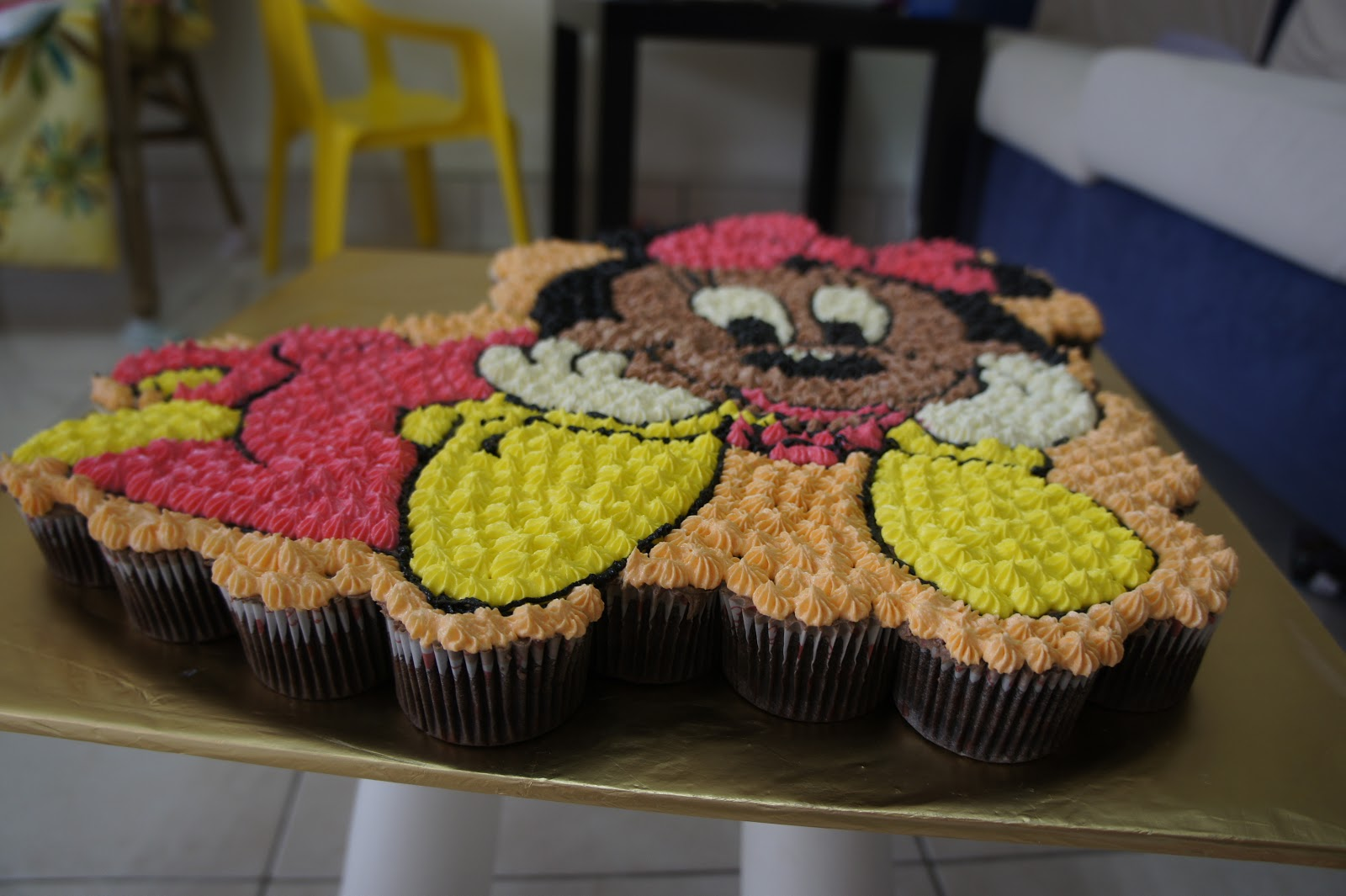 247 Passionate Mom Minnie Mouse Pull Apart Cupcakes