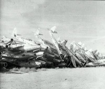 aeronaves - Davis-Monthan AFB - o maior cemitério de aeronaves do mundo  AMARC+1+-+F84+scrapped