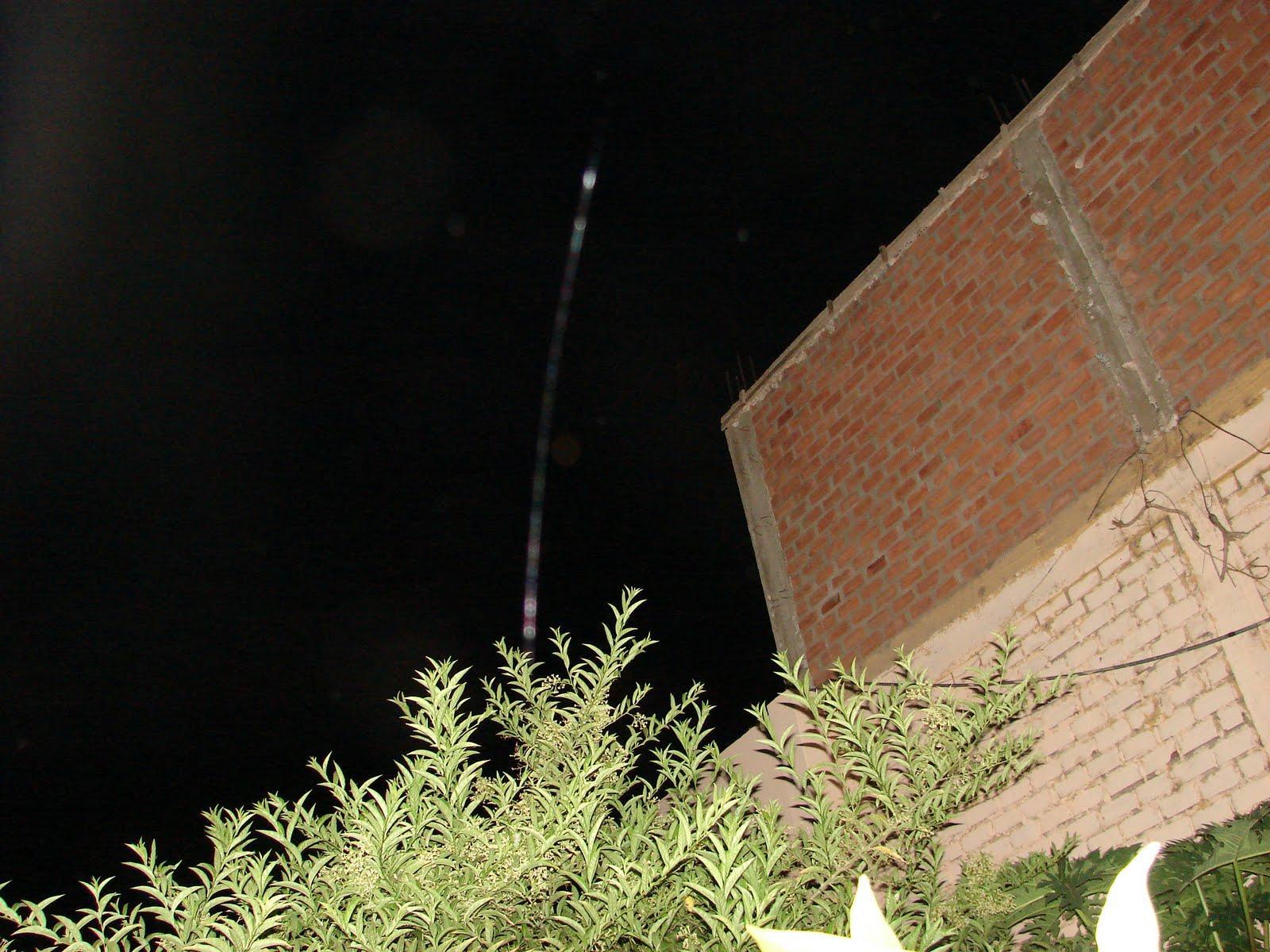 31-Marzo-1-2-3-4-5..2011 Atencion Esfera Ovni lanza ´´Rayo LASER´´ 11:57:00 pm Huacho-Peru sec  ufo
