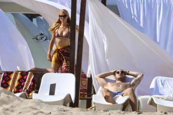 Retro Bikini Paris Hilton Puts Her Beauty In A Striped