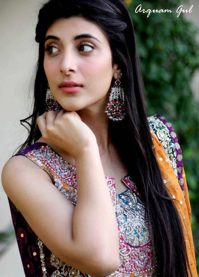 Pakistani actress Mathira talking bold on live tv - video