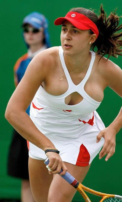 simona halep naked breast